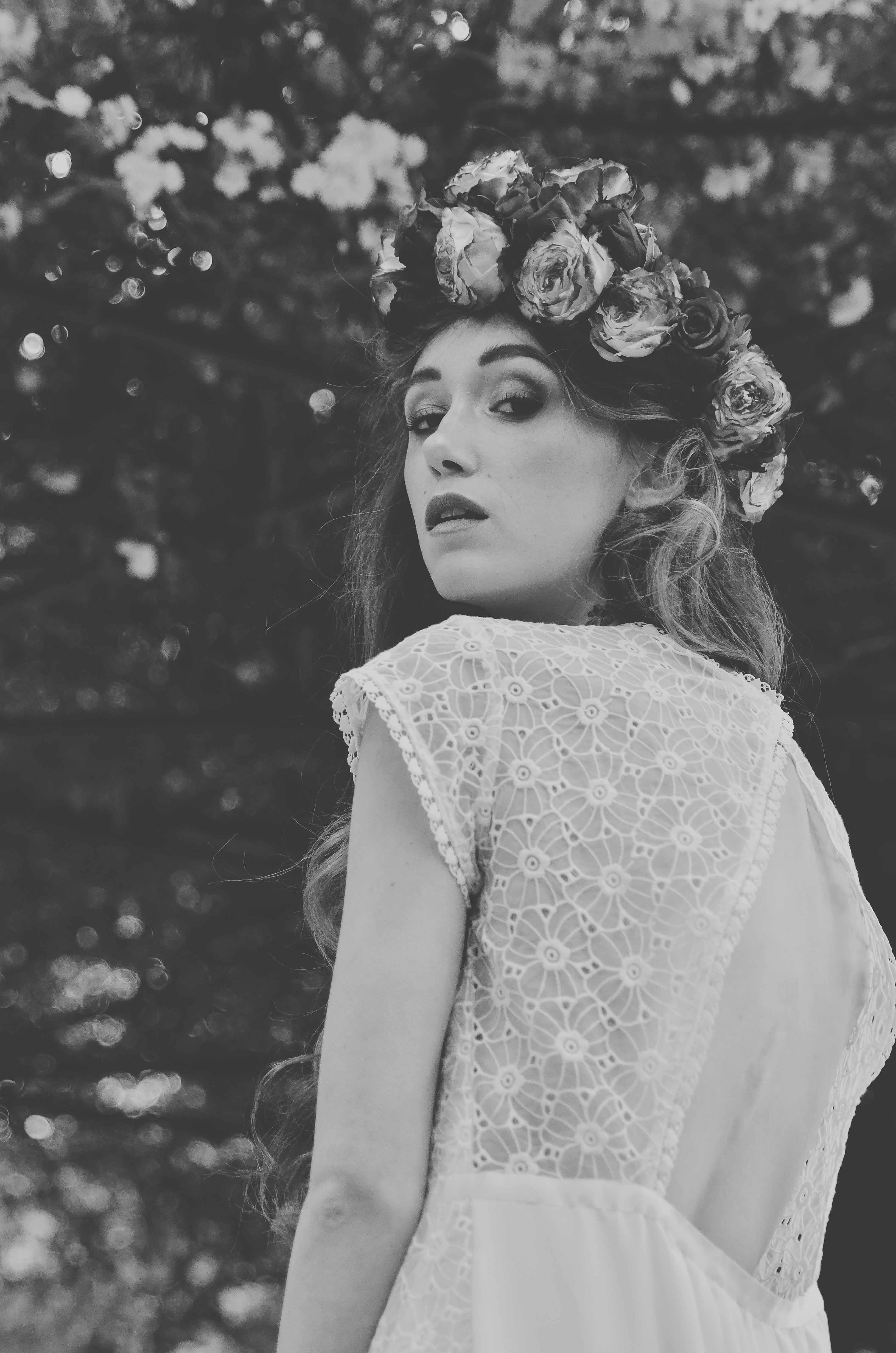Amandine Grimm - Robe de Mariée bohème Forget me not en dentelle et soie - Collection 2017